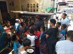 Tiap Jumat, Penjual Soto di Muntilan Ini Gratiskan Dagangannya