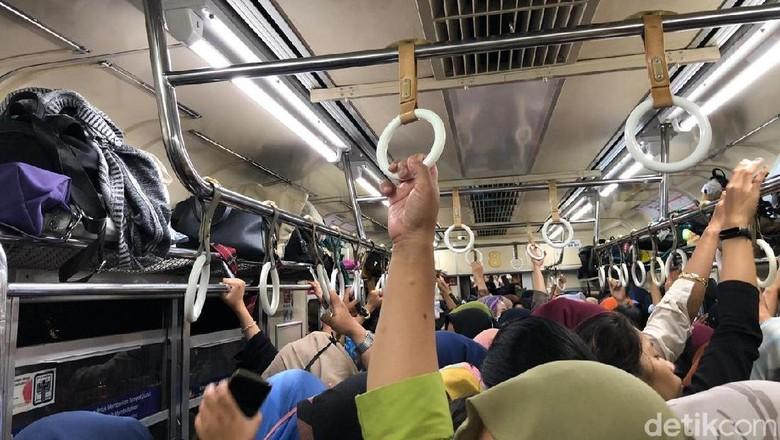 Gangguan KRL Kota-Bogor: KCI Minta Maaf, Penumpang Diimbau Cari Alternatif