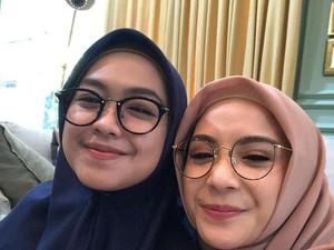 Ketika Nagita Slavina Pakai Hijab Ala Ria Ricis, Mirip?