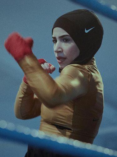 Petinju Berhijab Ini Digandeng Jadi Model Nike, Siapa Dia?