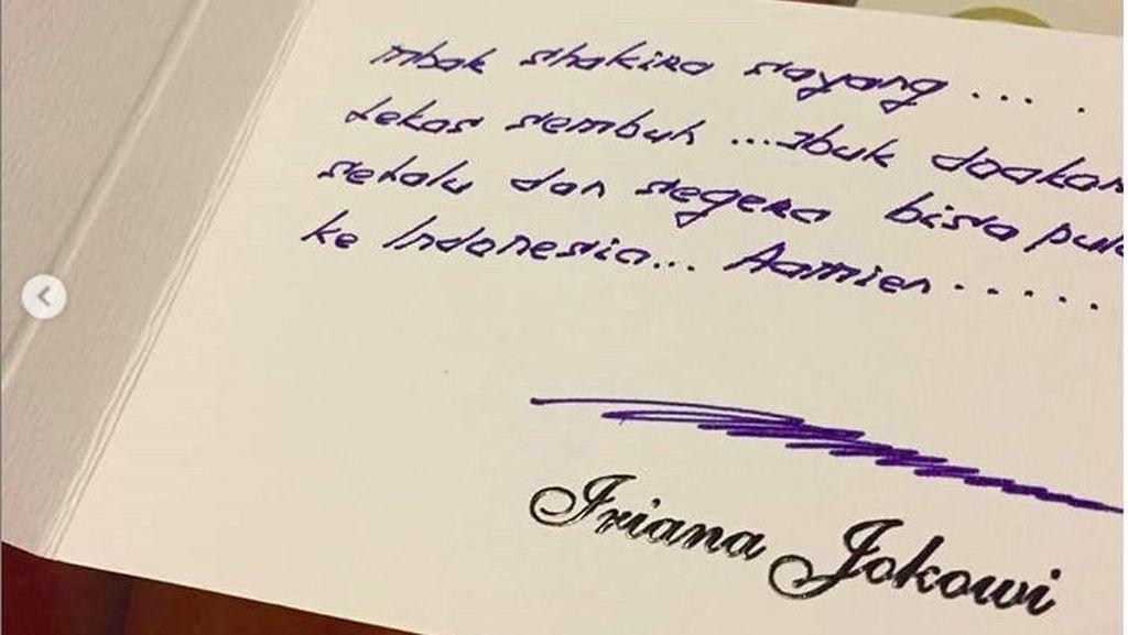 Iriana Jokowi Selipkan Doa untuk Putri Denada Lewat Surat