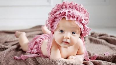 30 Nama Bayi Perempuan Bermakna Saleh