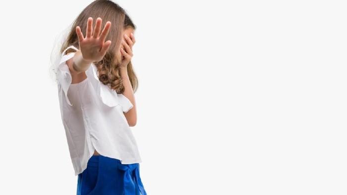 Mengintip adalah perilaku mengganggu kenyamanan orang lain (Foto: iStock)