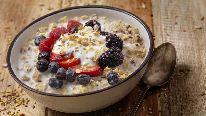 Granola With Fresh Fruit-Photographed on Hasselblad H1-22mb Camera