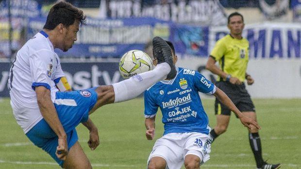 Hamka Hamzah menjadi salah satu pencetak gol Arema FC lawan Bhayangkara FC.