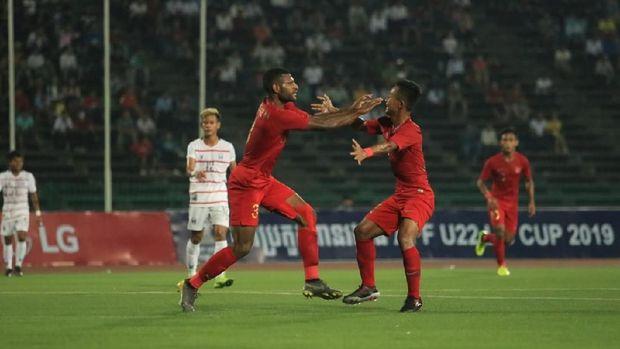 Marinus Wanewar mencetak dua gol ke gawang Kamboja.