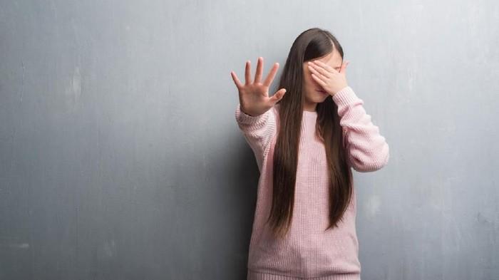 Walau tidak melibatkan kontak seksual, aksi ekshibisionisme bisa memicu trauma pada korban (Foto: iStock)