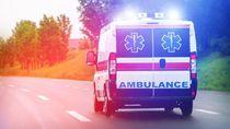 Ambulans Bawa Pasien Sakit Terguling di Pangkep Sulsel, 1 Orang Tewas