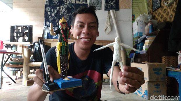 Keren! Limbah Kertas Disuplap Jadi Patung Dijual ke Luar Negeri