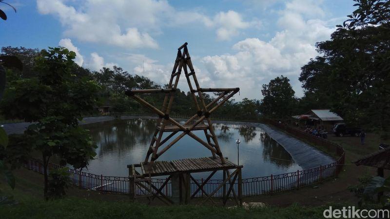 Menyusuri wisata alam di Ungaran seolah tak ada habisnya. Inilah Embung Sebligo di Desa Lerep, Ungaran, Kabupaten Semarang (Aji Kusuma/detikTravel)
