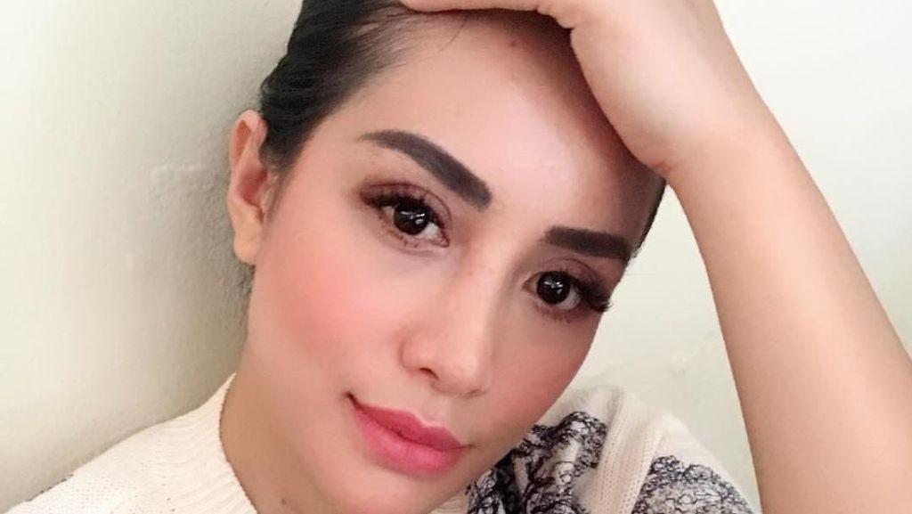 Postingan Pertama Shinta Bachir Usai Lepas Hijab, Batasi Kolom Komentarnya