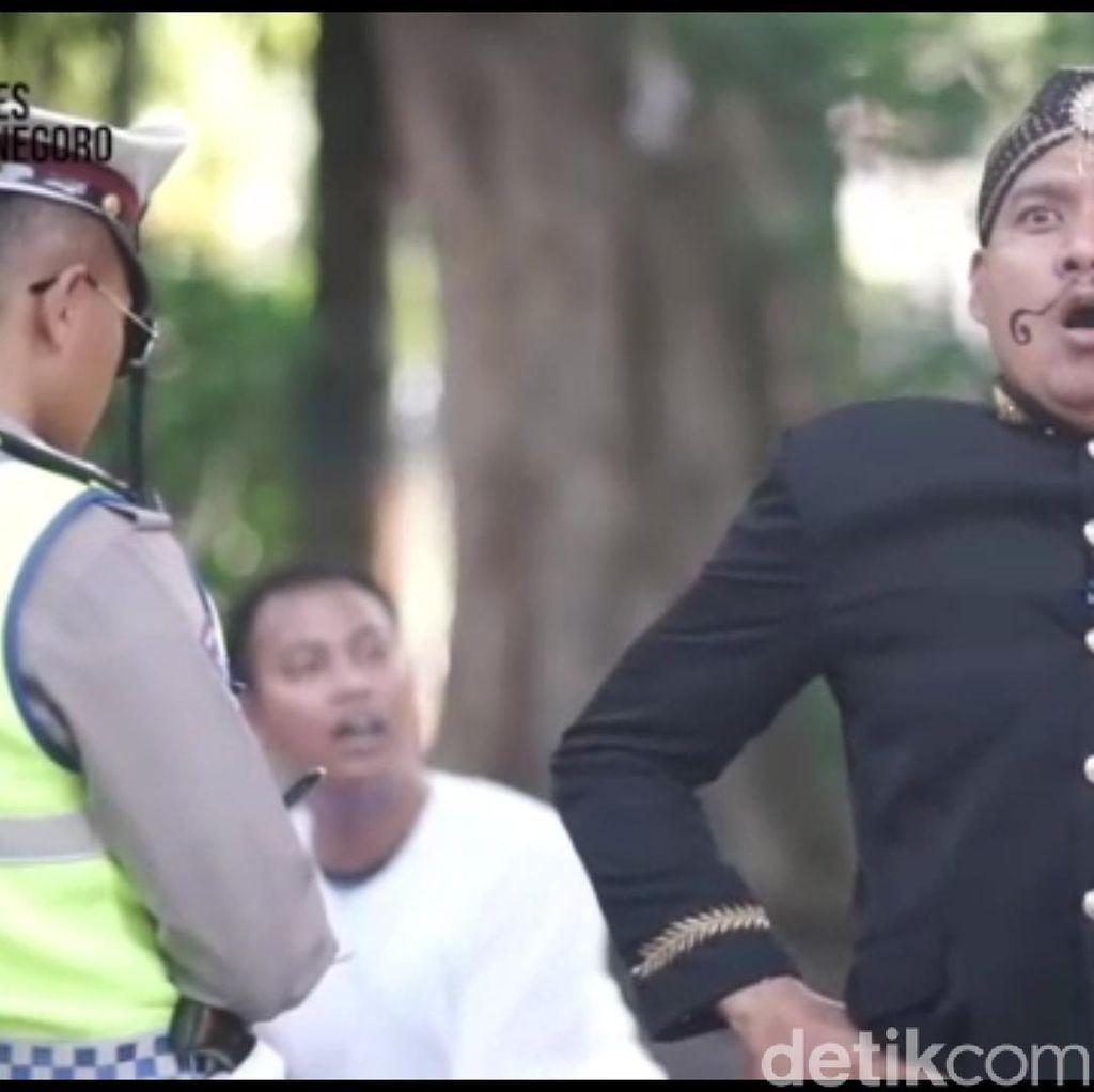 Kreatif! Cara Polisi Bojonegoro Sosialisasi Keselamatan Berkendara