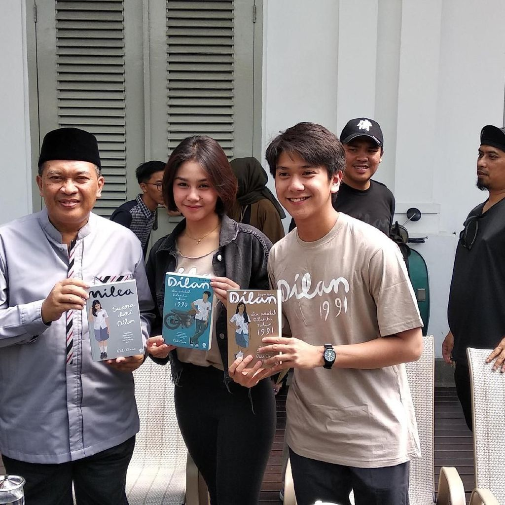 Pemeran Film Dilan 1991 akan Konvoi Keliling Bandung Naik Bandros