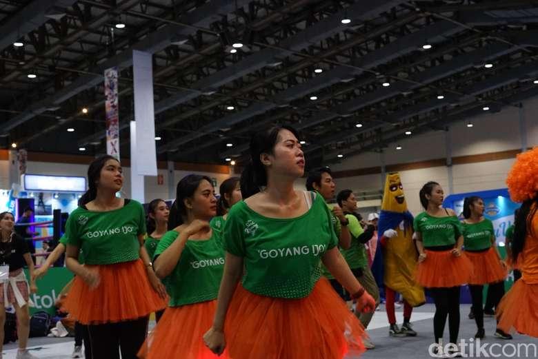 Ini adalah para SPG (Sales Promotion Girls) yang bertugas di Goifex, sebuah ekspo kebugaran yang digelar di Senayan, Jakarta, Jumat (22/2/2019). (Foto: Ayunda/detikHealth)