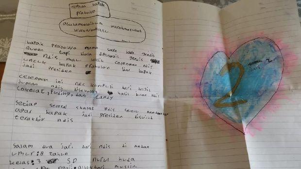 Prabowo Dapat Surat Cinta Dan Celengan Dari Bocah Gendis