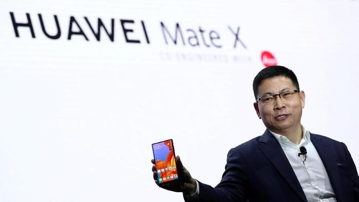 Mate X, ponsel layar lipat 5G dari Huawei. (Foto: REUTERS/Sergio Perez)