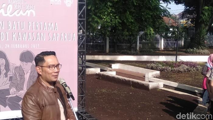 Ridwan Kamil saat meresmikan Dilan Corner. (Veynindia Pardede/ detikHOT)