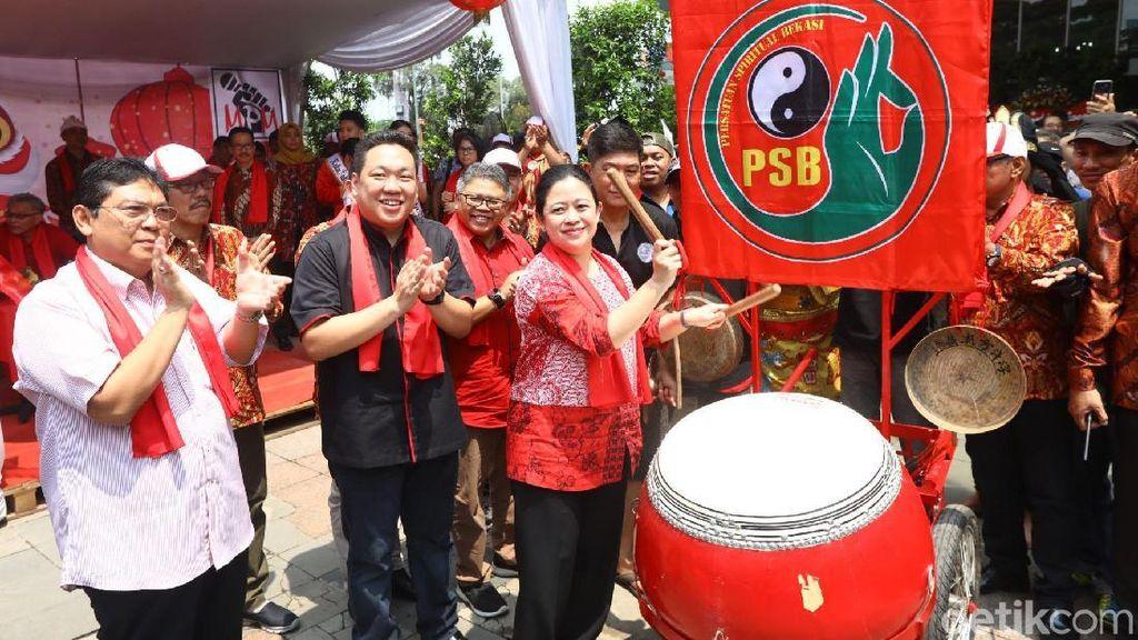 Momen Puan Buka Festival Cap Go Meh