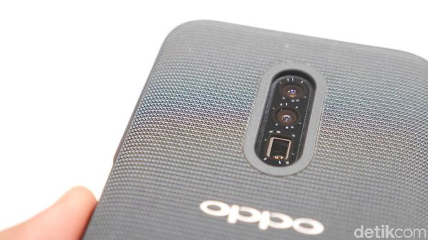 Menjajal Sistem Zoom Optik 10x Bikinan Oppo