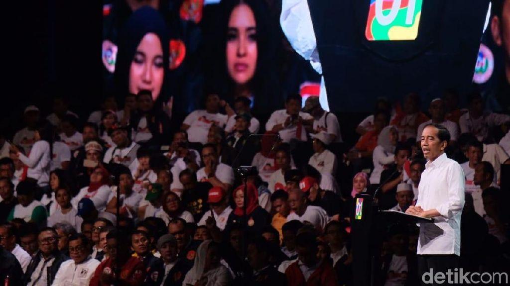 Artis Ramaikan Konvensi Rakyat Jokowi: Cak Lontong hingga Angel Karamoy