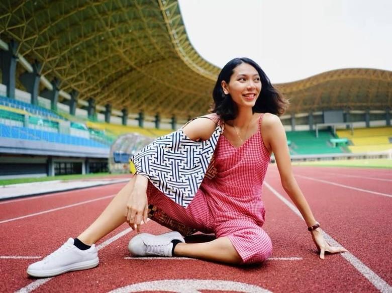 Gloria, Atlet Bulutangkis yang Dibilang Mirip Gal Gadot Foto: @ge_widjaja/ Instagram