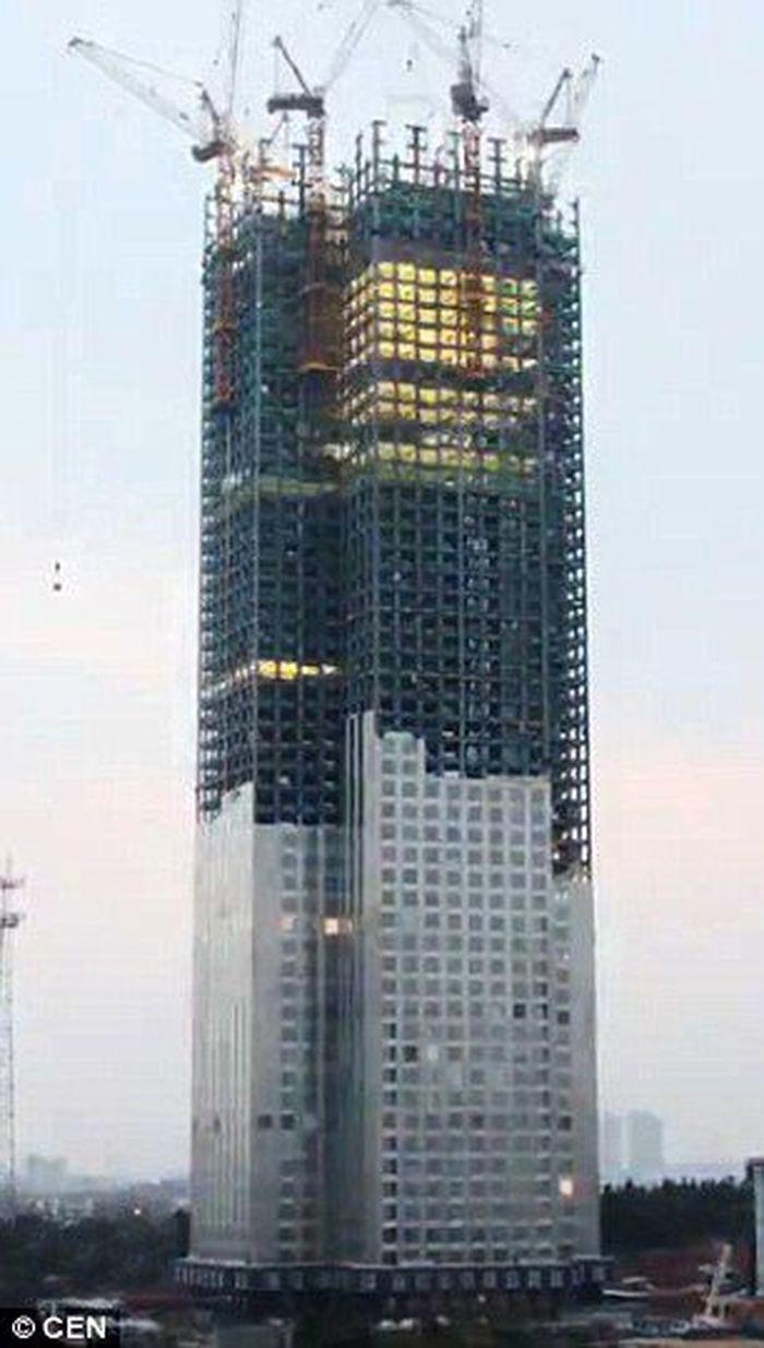 Perusahaan China membangun gedung 57 lantai ini hanya dalam 19 hari. Istimewa/Dailymail.