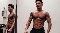 Daffa Cho yang dikenal sebagai influencer kebugaran di YouTube dan media sosial lainnya bikin semangat banget buat bentuk perut sixpack. Begini tampilannya.