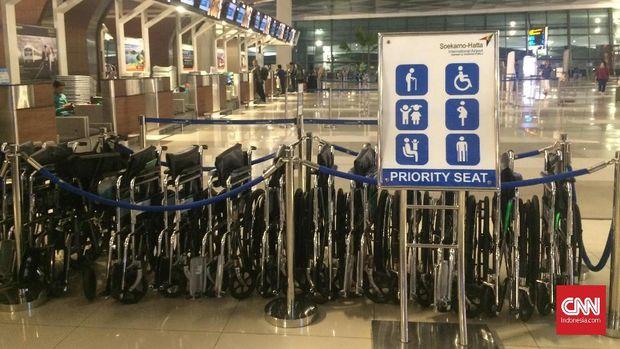 Mencicipi Fasilitas Kursi Roda di Jakarta