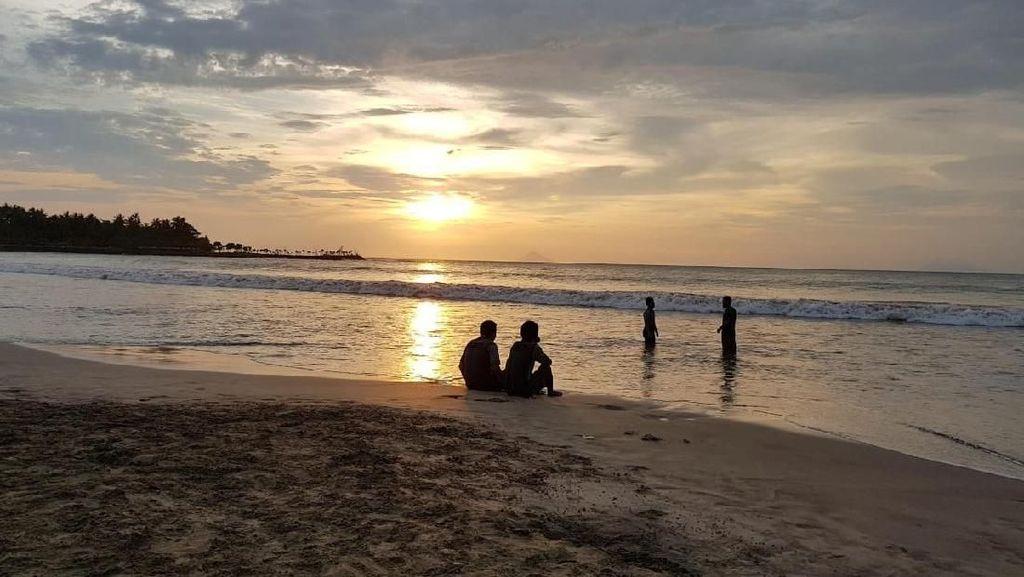 PHRI Minta Pariwisata Anyer Dibenahi daripada Hotel Mesti Bahasa Indonesia
