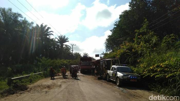 Jalan Lintas Timur Palembang-Jambi. (Raja Adil Siregar/detikcom)