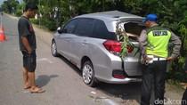 Adu Banteng Mobil vs Bus di Rembang, 3 Orang Tewas