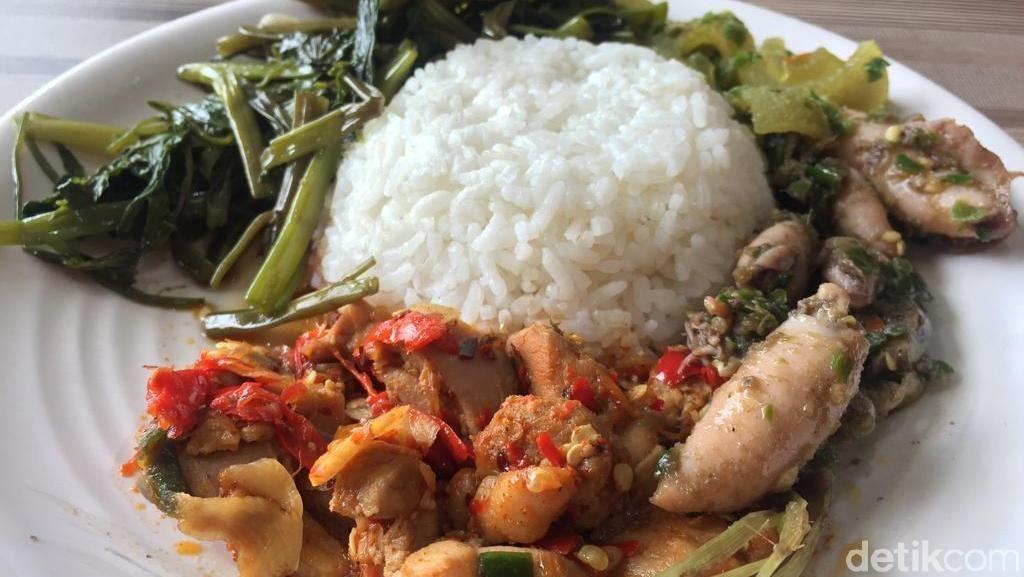 Menjajal Menu Khas Nusantara Serba Pedas di Dapoer Bang Jali