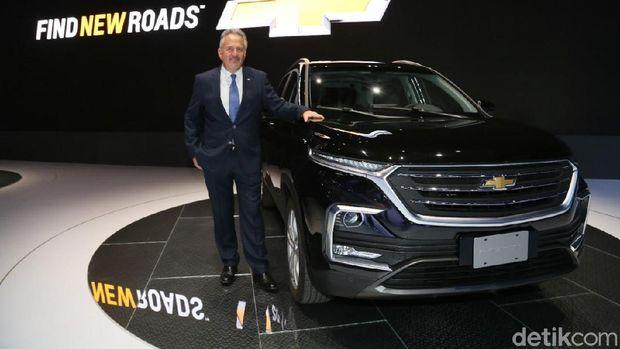 Chevrolet Captiva berwajah Wuling Almaz