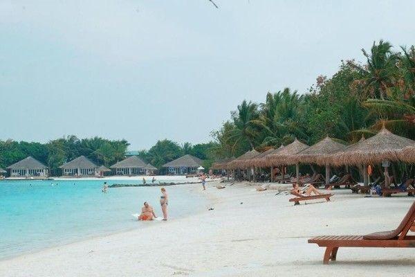 Populer akan keindahannya, Maldives masuk peringkat ketujuh. Dikunjungi 1,4 juta turis per tahun, jumlah warganya hanya 360 ribu saja (Ryan Febrian/dTraveler)