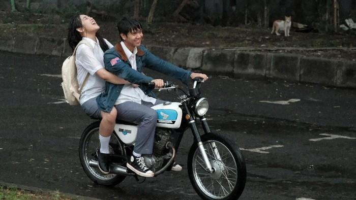 Foto behind the scene film Dilan 1991.