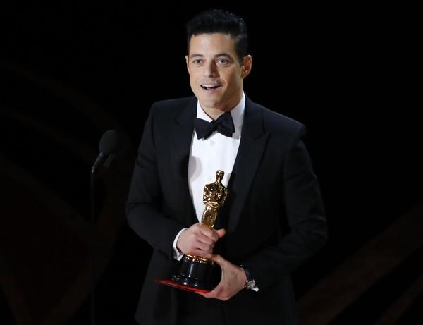 Rami Malek baru saja mendapatkan penghargaan untuk Oscar sebagai aktor terbaik dalam filmnya Bohemian Rhapsody. (REUTERS/Mike Blake)