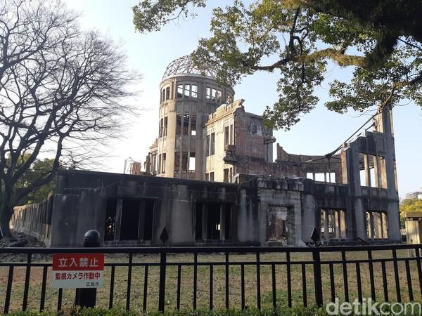 Hiroshima Peace Memorial atau Genbaku Dome adalah monumen penting bagi masyarakat Jepang. Di tempat inilah, bom atom pertama dijatuhkan di Jepang. (Bonauli/detikTravel)