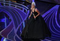 Glamor! Lady Gaga Pakai Kalung Berlian Rp 420 M di Oscars 2019