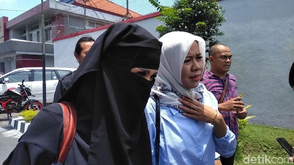 Balik Jakarta, Mulan Tak Temani Sidang Lanjutan Dhani