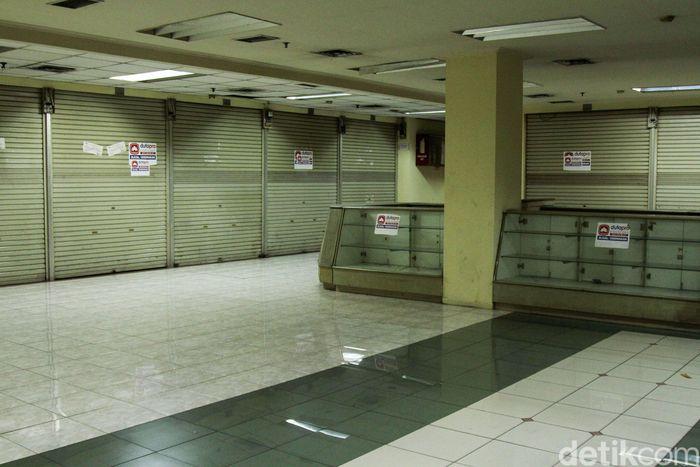 Kondisi Pasar Glodok terkini cukup memprihatinkan, banyak toko elektronik yang tutup, seperti pemandangan di Senin (25/2/2019).
