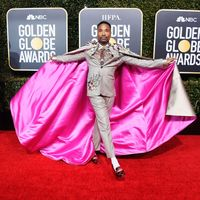 Viral Crosshijaber, Aktor Hollywood Ungkap Alasan Suka Pakai Baju Wanita