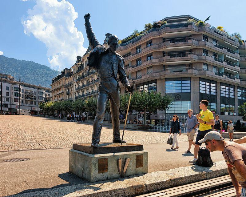 Patung ini dibuat oleh pemahat patung bernama Irena Sedlecka sebagai penghormatan untuk Freddie Mercury (iStock)