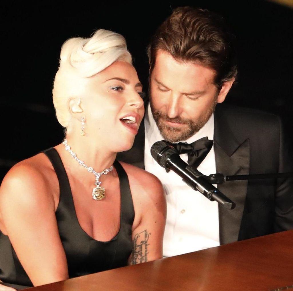 Glastonbury Bantah Ada Panggung Rahasia untuk Lady Gaga dan Bradley Cooper