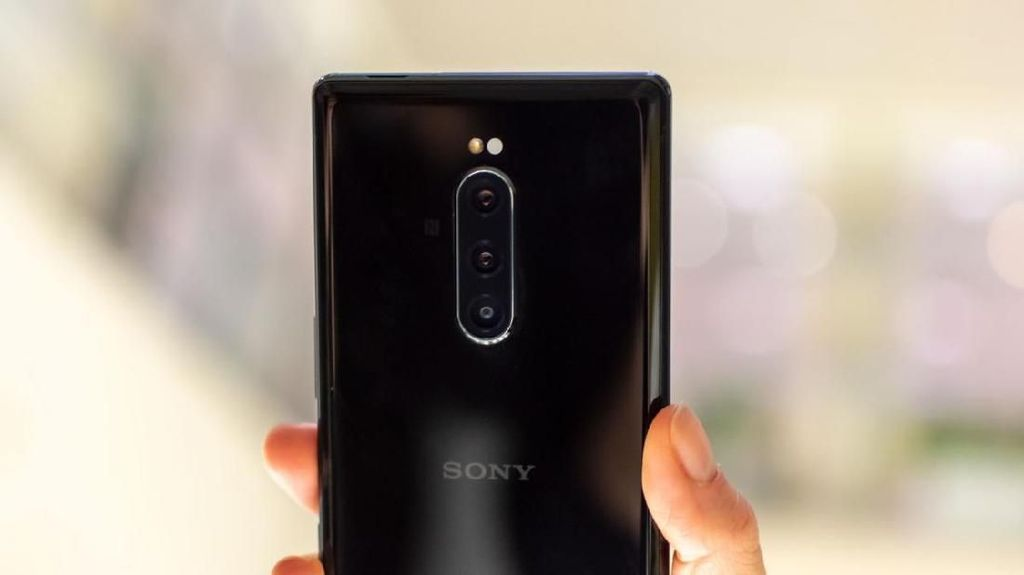 Sony Siapkan Ponsel Layar Gulung?