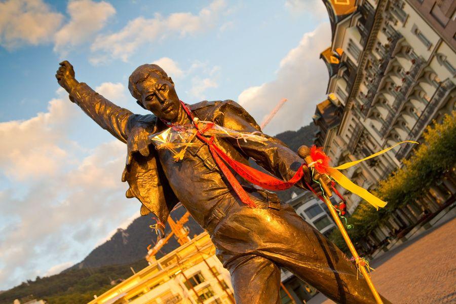 Patung Freddie Mercury, sang vokalis Queen yang melegenda itu berlokasi di Montreux, Swiss (iStock)