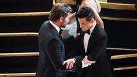 Bradley Cooper sudah memberikan selamat pada Rami Malek saat Oscar 2019 baru saja dimulai.Kevin Winter/Getty Images