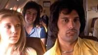 Mary pun kerap menemani Freddie saat tur konser.Dok. Vintag.es