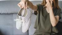 Cara Menghilangkan Bau Kaki Akibat Pakai Sepatu