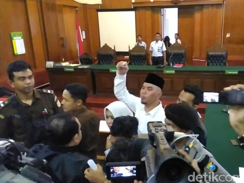 Ahmad Dhani Siap Divonis Kasus Idiot, El dan Dul Direncanakan Hadir