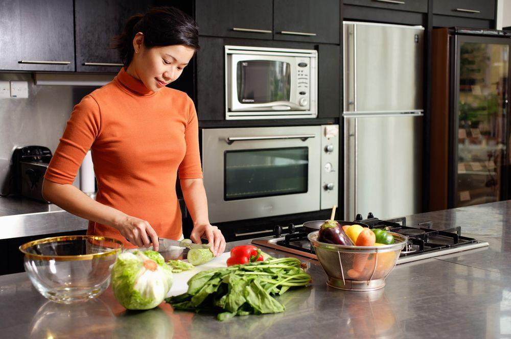 Ilustrasi Ibu Masak Sehat